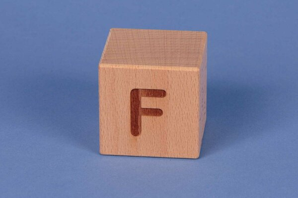 Houten naam blokken F positief