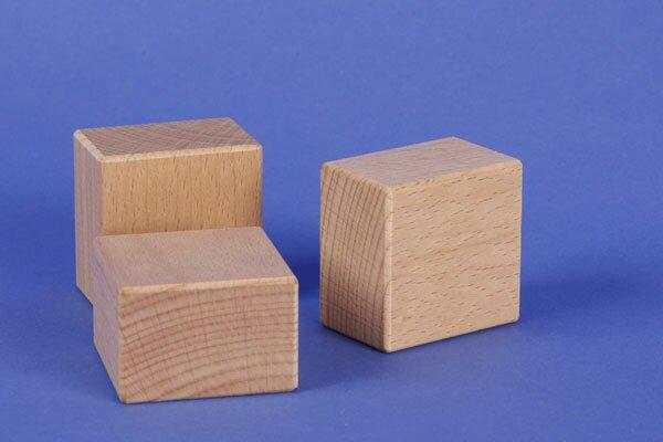houten blokken 4,5 x 4,5 x 3 cm