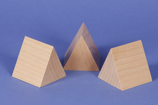 houten columns driehoekig 6 x 6 x 6 cm gelijkbenige
