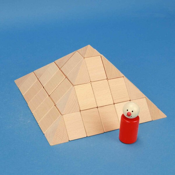 grote piramidenset van beukenhout 12 cm