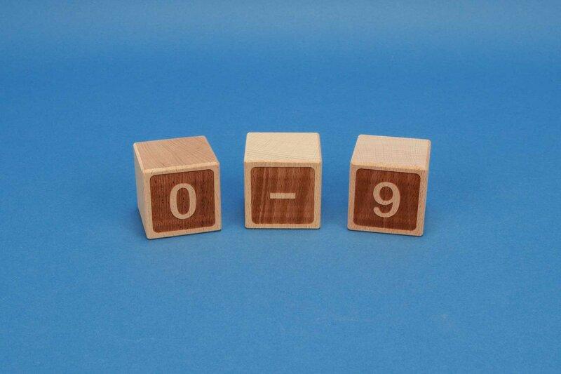 Houten nummer blokken 0-9 negatief