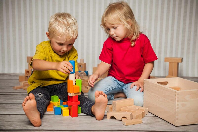 Houten speelgoed blokken in sets
