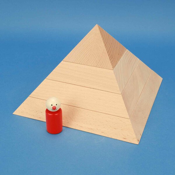 grote plate vierkante piramide van beukenhout 24 x 24 x 15 cm