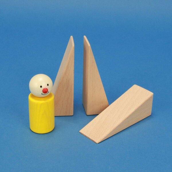driehoekige houten blokken 9 x 3 x 3 cm .