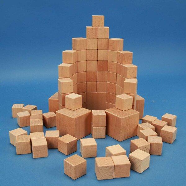 Set van 85 houten kubusblokken
