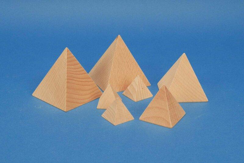 houten piramides